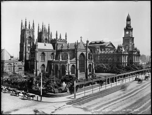Sydney Town Hall en St Andrew's Cathedral rond 1900 Foto:Publiek domein