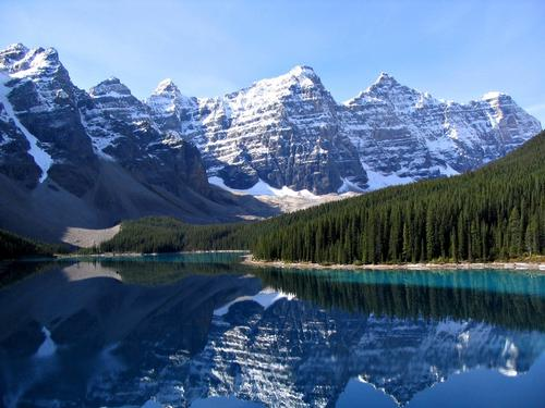 Typisch landschap Canadese Rocky Mountains in Alberta Foto:Gorgo