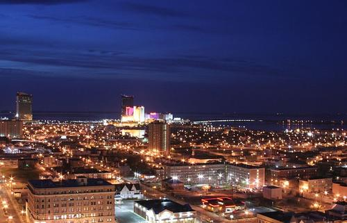 Atlantic City in de nacht Foto:Ron Miguel